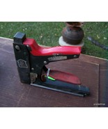 VINTAGE Craftsman STAPLE GUN Hand Tool Heavy Duty Staples .050 - $25.00