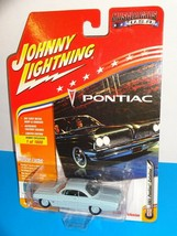 Johnny Lightning Muscle Cars USA Hobby Exclusive 1961 Pontiac Catalina Lt Blue - $10.00