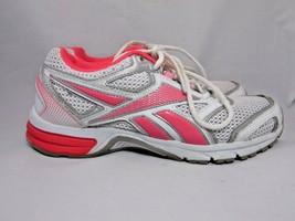 Reebok women's running shoes white/pink size 9 M - $28.21