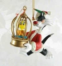 Hallmark Christmas Ornament 1995 Sylvester & Tweety Warner Brothers - $14.84