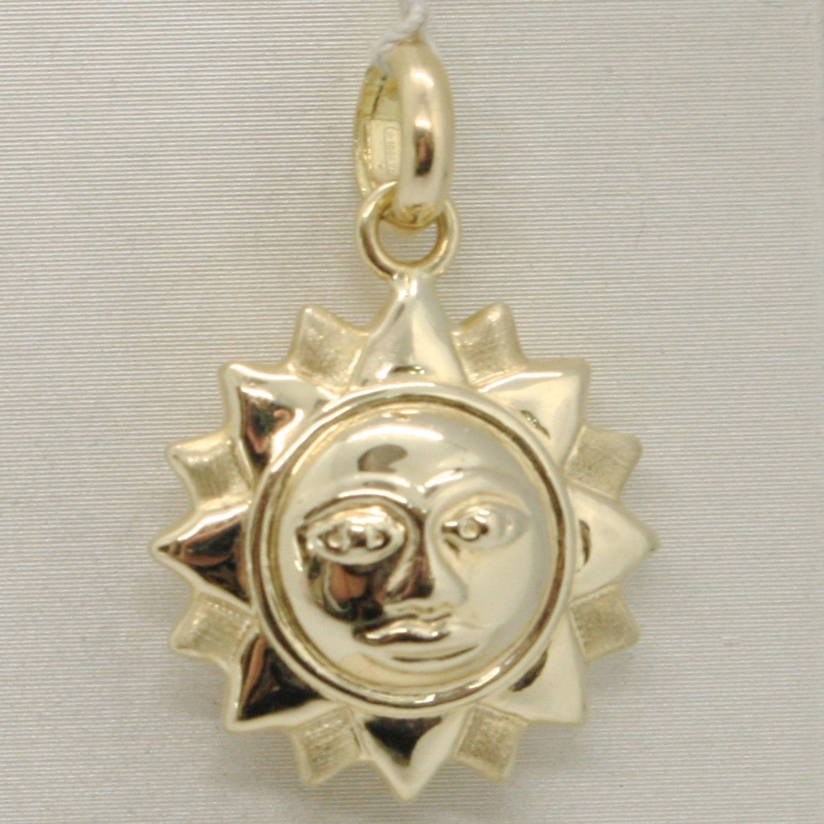 18K YELLOW GOLD ROUNDED SUN CHARM PENDANT, SMILING FACE, SMOOTH, MADE IN ITALY