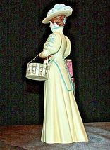 Miss Albee Award Figurine with Box AA20-2156 Vintage image 3