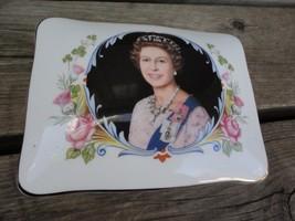 Queen Elizabeth II Silver Jubilee Bone China Staffordshire Covered Vanit... - £13.20 GBP