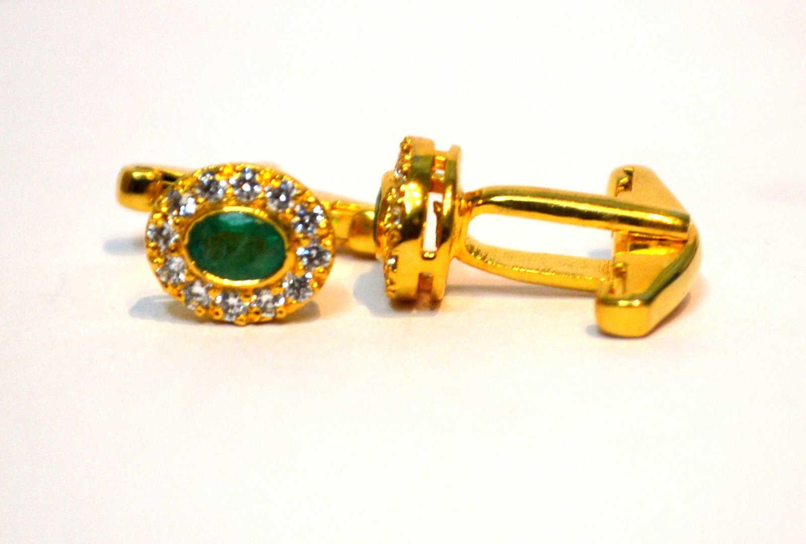 925 Sterling Silver Natural Fine Quality Emerald And Cz Gemstone Gold Plated Art
