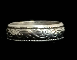 Vintage Flower Floral Vine Sterling Silver Band or Ring Size 8 Women - $38.00