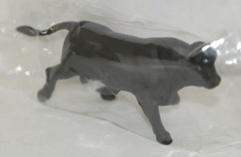 Tomy LP65105 John Deere Two And Half Inch Black Angus Bull image 2