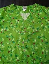 UA Scrubs Top Uniform Advantage Size S Christmas Xmas Holiday Short Sleeve - $12.08