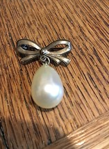 1960s Gold Tone Faux Pearl Teardrop Dangly Bead... - $12.50