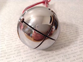 Polar shiny Silver LARGE Santa reindeer  sleigh bell Express from Elf Works 2nds