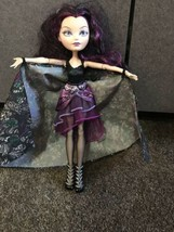 Ever After High FIRST CHAPTER Signature RAVEN QUEEN DOLL in Outfit Shoes - $14.80