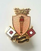 VTG US Army Signal School Pro Patria Vigilans Pin US Military Collectible Pin  - $13.81