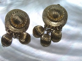 Vintage Coro Signed Etched Goldtone Domed Disk with Three Bead Dangle Clip Ear image 2
