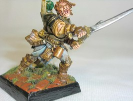 Dungeons & Dragons Miniature The Adventuring Ranger Fighter !! s90 - $58.00