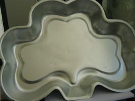 Amscan Inc Clover Leaf Cake Pan - $13.05
