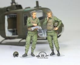 Set 02 US Heliccopter Pilots (UH1 AH1 OH6A) Vietnam war 1:35 Pro Built M... - $74.23