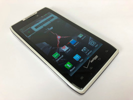 Motorola Droid Razr XT912 Verizon 8GB 4G LTE Android Smartphone 8MP - White - $46.52