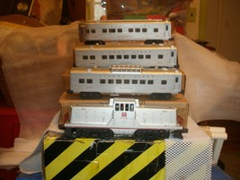 Lionel Postwar O Gauge 1552 Burlington Passenger Set with all boxes plus set box - $825.00