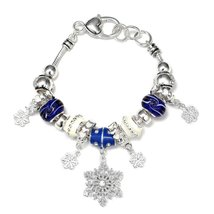 Inspired Silver Frosted Winter Wonderland Charm Beaded Bracelet with a L... - $593,31 MXN