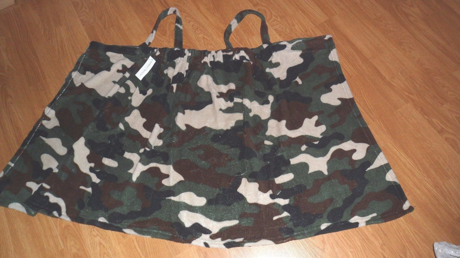 BOBBIE BROOKS FLEECE COVER-UP WRAP SIZE S/M - L/XL GREEN CAMOUFLAGE PINK STARS