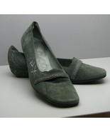 Clarks Artisan SHOES Apple Green Suede Leather FLATS Woman's 9.5 M Cute - $15.83
