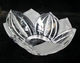 Nouvelette 24% lead crystal clear & frosted etched cut glass bowl Near M... - $11.78