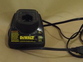 DEWALT  DW9118 BATTERY CHARGER  BARE TOOL ONLY  WORKS WELL CLEAN 7V - 14.4V - $22.99