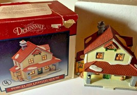 Vintage 1993 Lemax Dickensvale Porcelain Lighted House Christmas   - $16.95