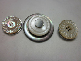 3 Pc Lot Vintage Mother Of Pearl Buttons Snap Jewelry Noosa Ginger Snap Magnolia - $7.99