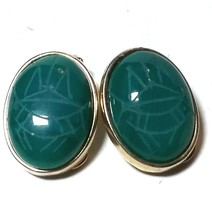 VINTAGE GREEN SCARAB BEETLE EGYPTIAN REVIVAL GLASS CLIP ON EARRINGS - $24.99