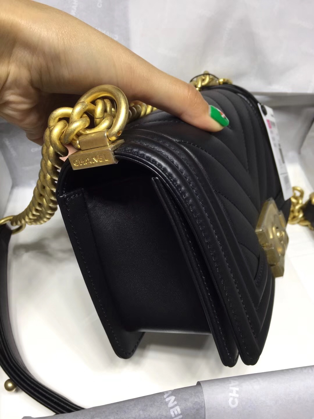 13a24e5ebb1061 NWT Auth Chanel 2019 Chevron Quilted Leather Black Small Boy Flap Bag Matte  GHW