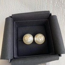 SALE* AUTHENTIC CHANEL XL CC LOGO PEARL GOLD STUD EARRINGS RARE