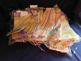 A- Wine Bottle Gift Bags Bulk lot of 71 bags Stripes and Diagonals  - $553,27 MXN