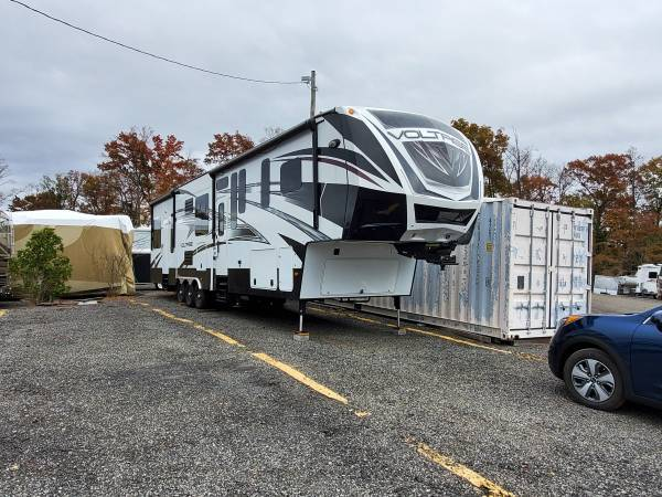 2015 Dutchman Voltage 3970 FOR SALE IN Alexandria, VA 22314