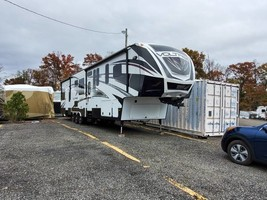 2015 Dutchman Voltage 3970 FOR SALE IN Alexandria, VA 22314 image 1
