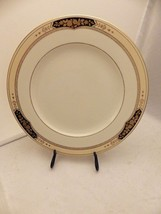 "Mikasa Crown Hall pattern - one Dinner plate - 10 7/8"" - #LAP20 - EUC - $9.41"