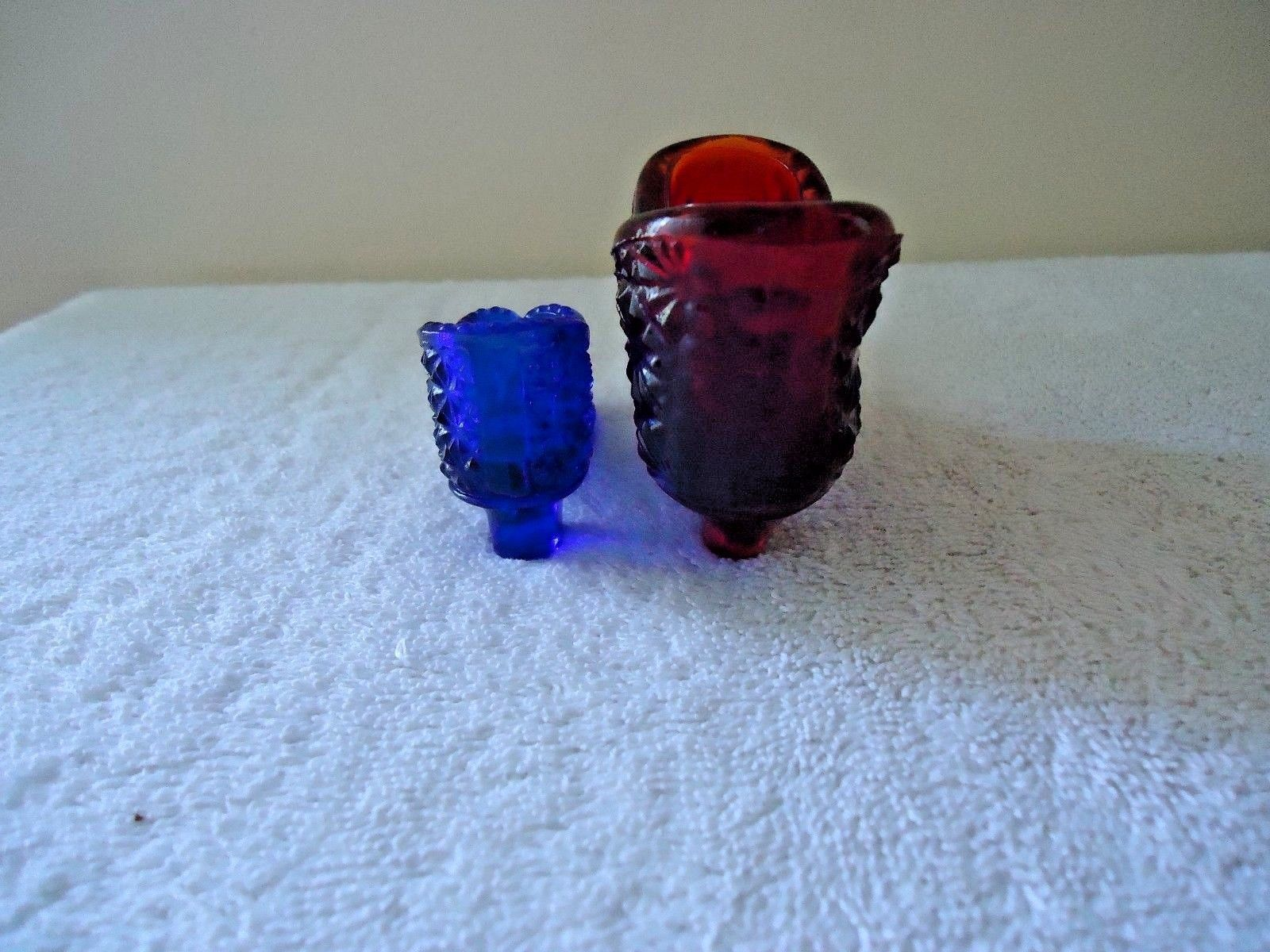 Vintage Lot Of 2 Glass Shoes Figurines,1 Red Color Fenton ?,1,Blue One