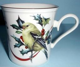 Lenox Winter Greetings Goldfinch Accent Mug Bird Holiday Motif New - $42.90