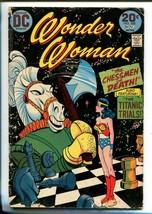 WONDER WOMAN #208 1973-DC-CHESSMEN OF DEATH-good - $18.92