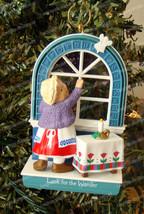 Advent Calendar, Look for the Wonder Ornament (Hallmark, QX568-5) 1993 - $9.90