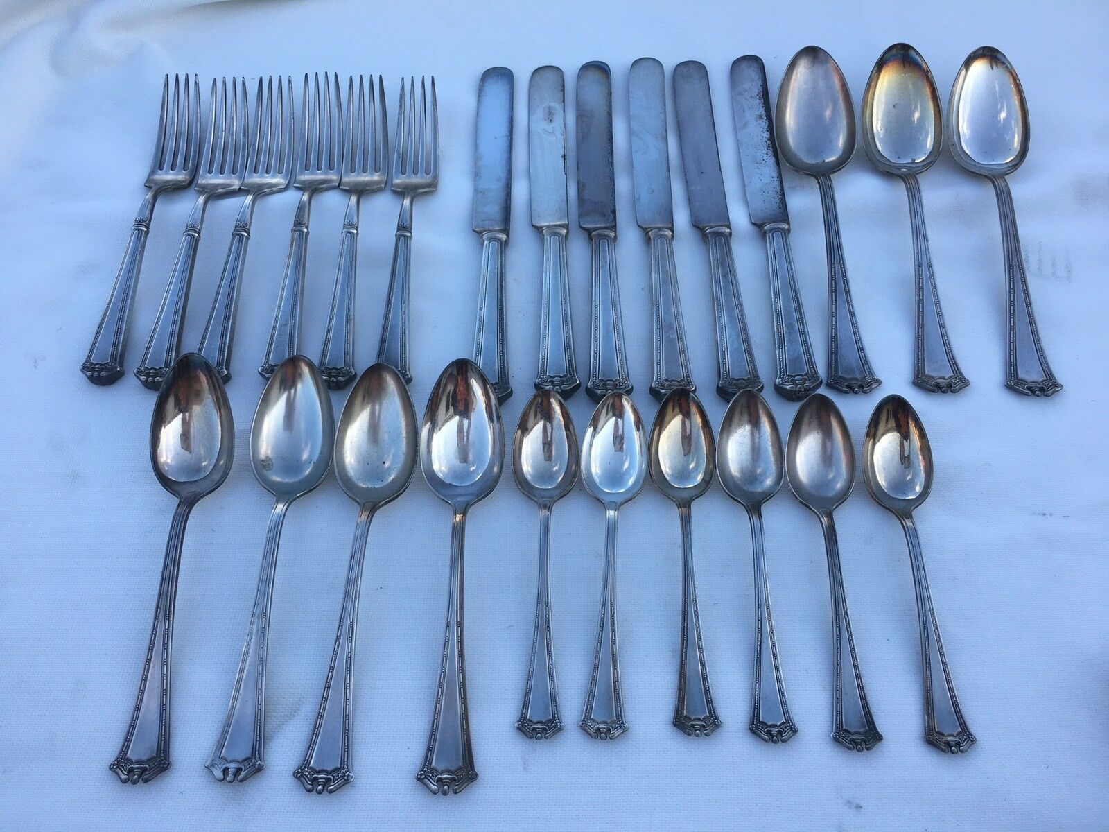 1847 Rogers Bros XS Triple 25 Pc Silverplate Flatware Set Continental Pattern - $75.00