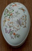 Avon White Porcelain Trinket Box, Butterfly Pattern, 22K Gold Trim 1974 - $16.82