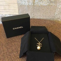 AUTH CHANEL GOLD BLACK CC PENDANT PEARL CC NECKLACE CLASSIC  image 2