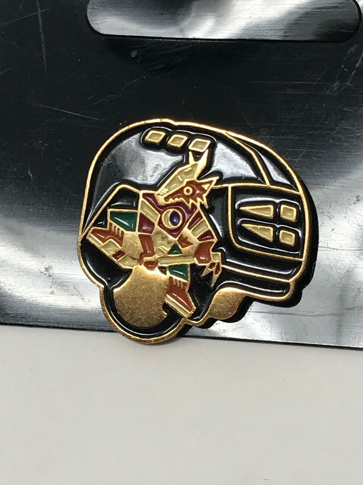 NHL Phoenix Arizona Coyotes VTG Logo Pin Helmet Coyote New NOS image 2