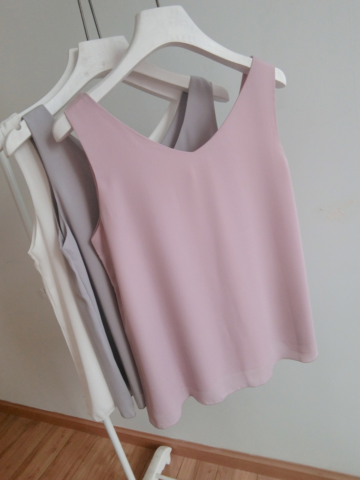 Women's V Neck Sleeveless Chiffon Tops Summer Chiffon Tops Blouse Pink Tank Tops
