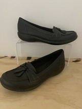 Clarks Ultimate Comfort Collection Womens Sz 7 Black Leather Loafers Flats - $18.51