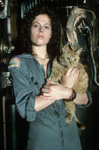 Sigourney Weaver in Alien with cat 18x24 Poster - $23.99