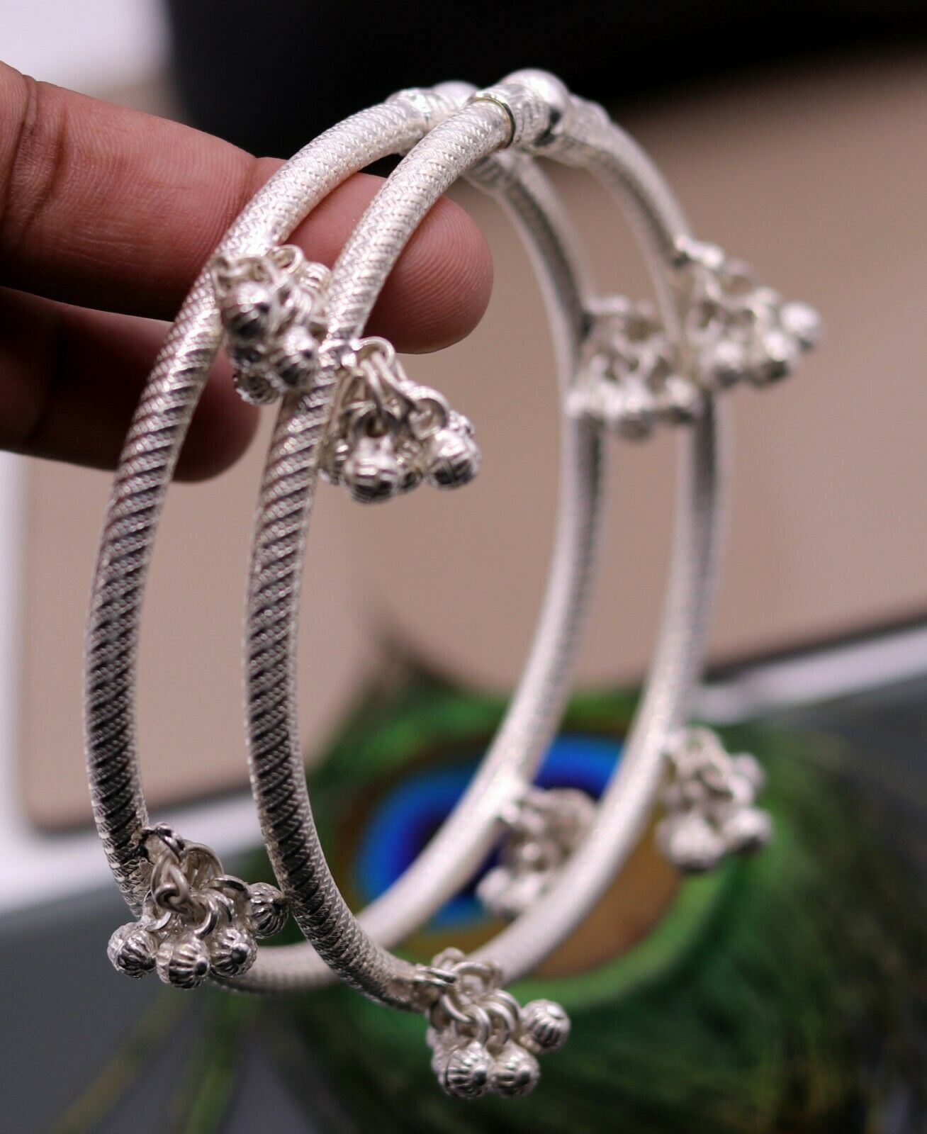 HANGING NOISY BELLS SILVER FOOT INDIAN BELLY DANCE ANKLE BRACELET JEWELRY nsfk10