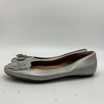 Clarks Artisan Metallic Silver Leather Flats Women's, Size 9.5M - $17.82
