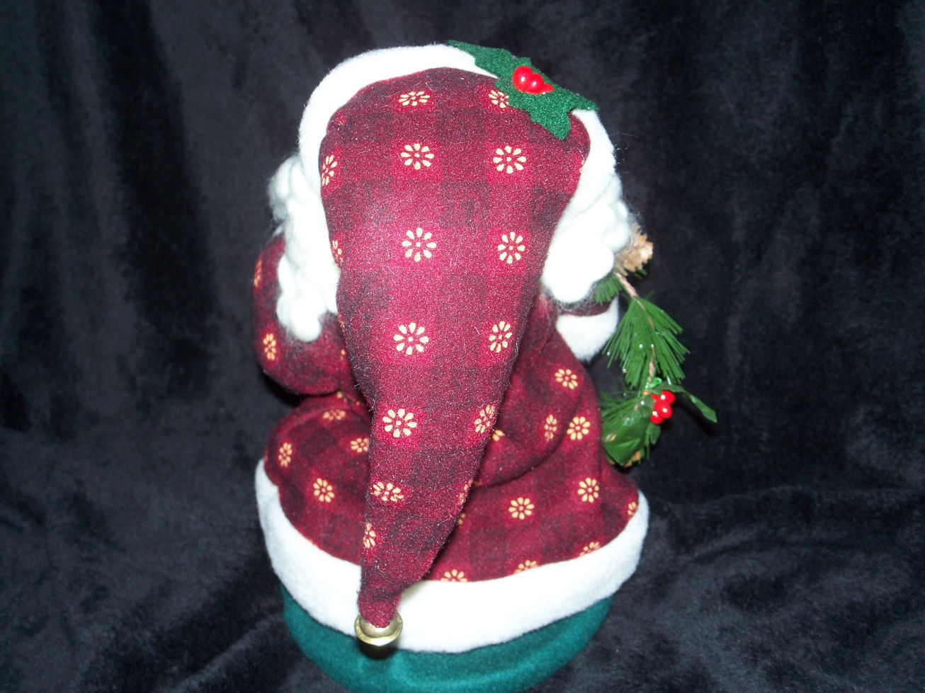 "AVON JIGGLING HOLIDAY SANTA DECORATION 12"" New in Box"