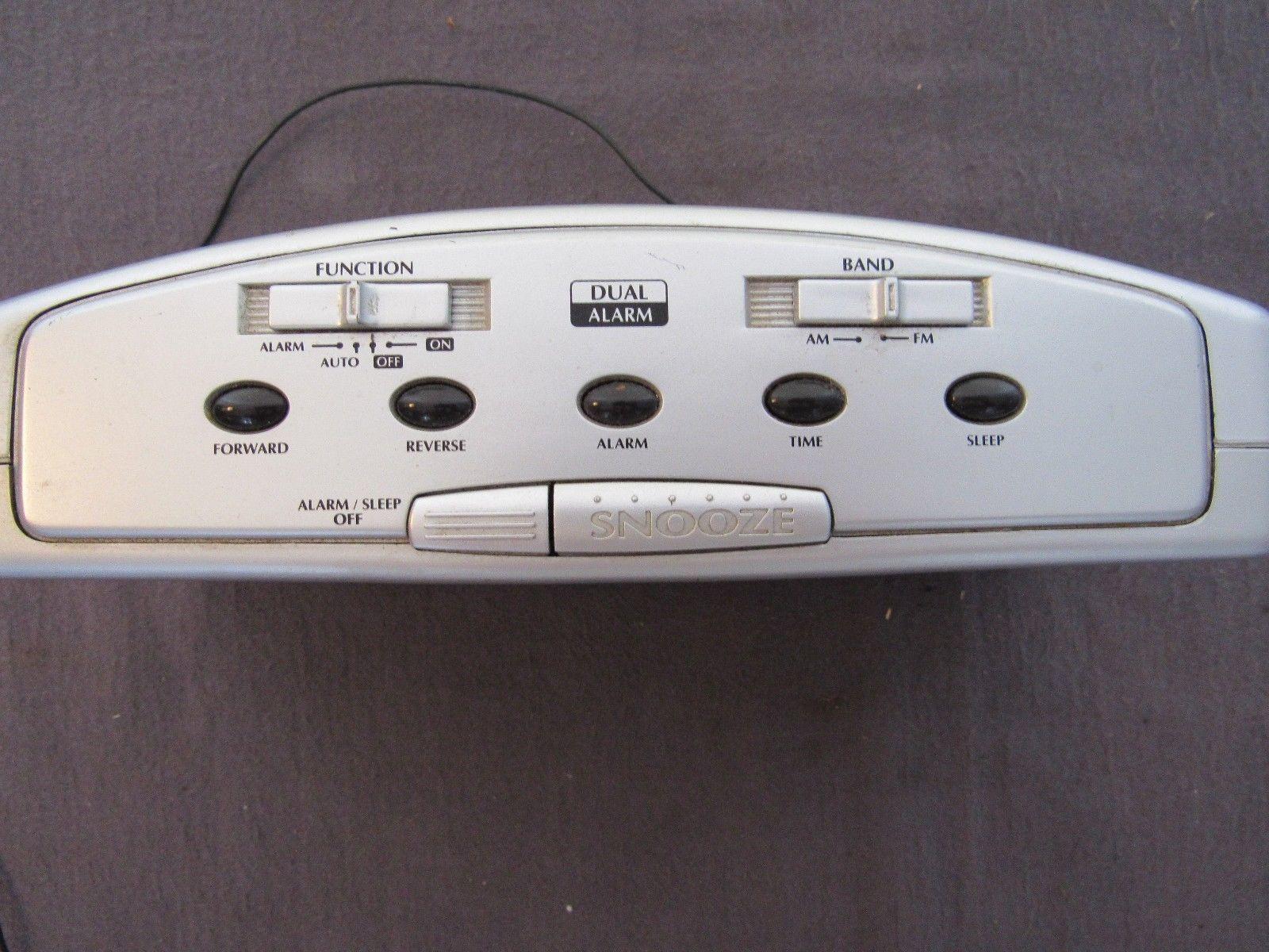 Vtg Lenoxx Sound CR-776 AM/FM Alarm Clock Radio Soothing Green Numbers